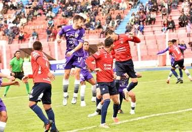 El partido entre Real Potosí y Wilstermann se jugó en el estadio Víctor Agustín Ugarte. Foto. APG Noticias