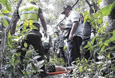 Así fue encontrado el cuerpo de la joven asesinada en Yapacaní. El caso aún es indagado