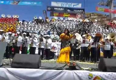 Guisela Santa Cruz participó del festival en Oruro