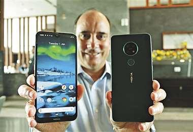 Fortaleza. La capacidad para actualizarse es un atractivo de los Nokia 2.3 y 6.2. Foto: Mauricio Vasquez