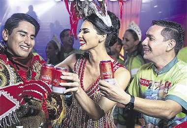 Spot. La reina cruceña Romy Paz es una de las figuras representativas de Celebremos juntos la Estación Carnaval. Foto: Paceña