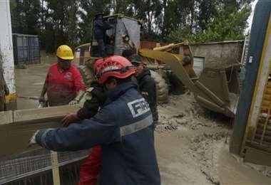 Esta madrugada se desbordó el río Taquiña en Cochabamba y e inundó casas en Tiquipaya. Foto: APG
