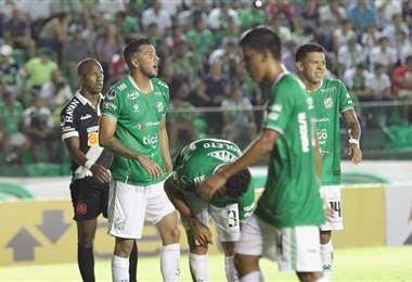 Oriente Petrolero, que además quedó fuera de la Sudamericana, fue multado por incumplir la norma de Conmebol. Foto. Ricardo Montero