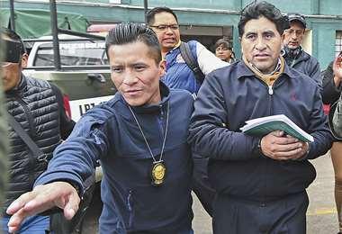 La exautoridad fue aprehendida mientras llegaba a la Fiscalía para conocer si fue citado. Foto: APG Noticias