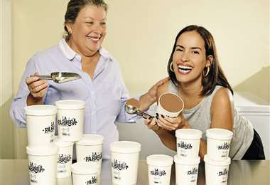 Socias. Fátima Füchtner y su hija María Julia Sanginés tienen los estudios, el conocimiento y el buen gusto, para producir helados perfectos en Santa Cruz