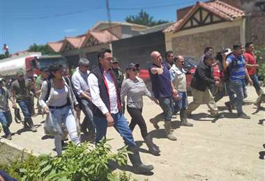 La presidenta Jeanine Áñez durante el recorrido en Tiquipaya | Foto: Ministerio de Comunicación