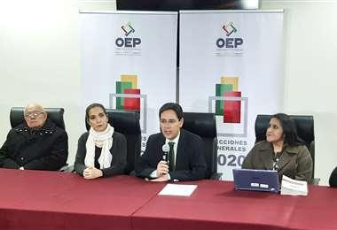 El TSE informó que 36.8% de los candidatos quedó fuera de la carrera electoral debido al incumplimiento de los requisitos. Foto: APG
