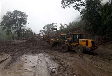 El personal de la ABC trabajó de manera intensa para rehabilitar el tramo en El Sillar. Foto: ABC
