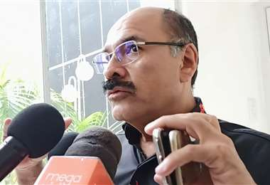 Ministro Anibal Cruz (Foto: Twitter del Ministerio de Salud)