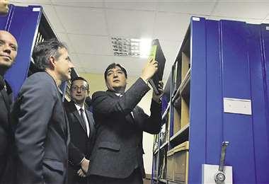 El procurador Cabrera y el senador Ortiz anunciaron el levantamiento del secreto de las nacionalizaciones. Foto: APG Noticias
