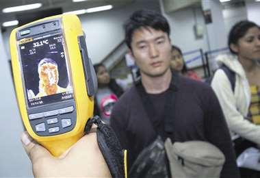 Este es uno de los dos escáneres manuales de Viru Viru. Hoy se pone a trabajar el donado por China . Foto: Hernán Virgo