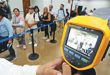 La alerta amarilla activó más medidas de protección, como la implementación de escáneres . Foto: Hernán Virgo