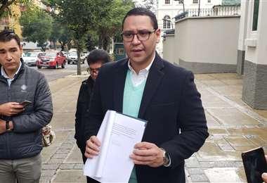 Monasterio presentó una solicitud de investigación contra Evo