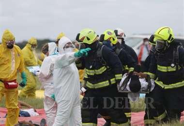 Esta mañana se realizó un simulacro de contención de pacientes sospechosos de coronavirus. Foto Jorge Uechi