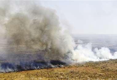 Se acusó al chaqueo descontrolado de ser motivo para los incendios. Foto: AFP
