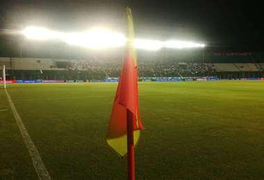 El partido se juega en el estadio Tahuichi Aguilera. Foto. Ricardo Montero