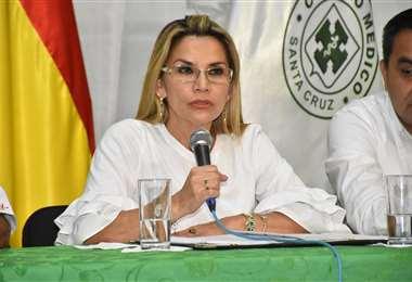 Áñez convocó a las autoridades regionales mediante un video publicado en redes sociales. Foto: ABI