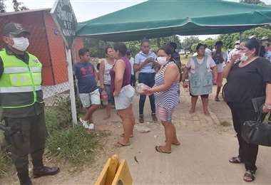 En San Carlos se ha reportado que los barbijos se han agotado en las tiendas. (Foto: Hernán Virgo)