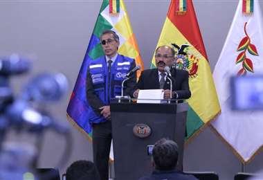 El ministro de Salud, Aníbal Cruz en conferencia de prensa. Foto. Ministerio de Salud