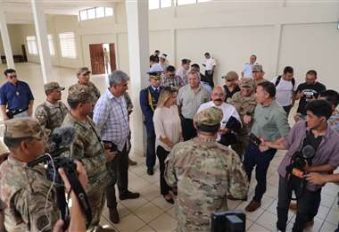 La presidenta Áñez inspeccionó este jueves uno el lugar de aislamiento en Warnes