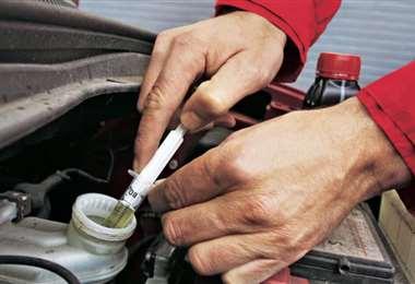 Los mecánicos recomiendan utilizar un líquido de frenos de calidad, ellos aconsejan Wagner