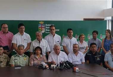La reunión fue liderada por el gobernador Rubén Costas. (Foto: Jorge Gutiérrez)