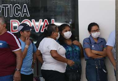 La población ha tomado sus previsiones para evitar posibles contagios