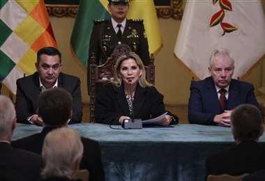 La jefa de Estado en contacto con el cuerpo diplomático I Foto: Presidencia.