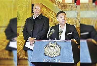 López y Murillo constantemente acompañan a la presidenta Áñez Foto: APG NOTICIAS/ARCHIVO