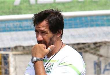 Pablo 'Vitamina' Sánchez, director técnico de Oriente Petrolero. Foto. Jorge Ibáñez