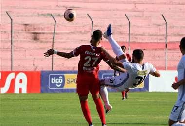 El partido entre el rojo de Montero y el merengue se juega en el estadio Gilberto Parada. Foto. APG Noticias