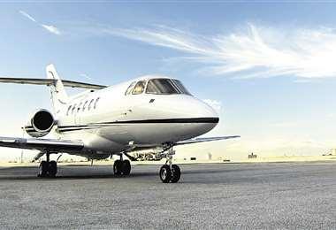 Estiman que un vuelo en jet privado desde París hasta Nueva York, por ejemplo, ronda los $us 90.000. Foto: Internet