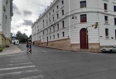 Este es el ambiente en el centro de la ciudad de Sucre. Foto: William Zolá