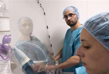 Los médicos y enfermeras en Francia piden condiciones ante la pandemia. Foto: RTI