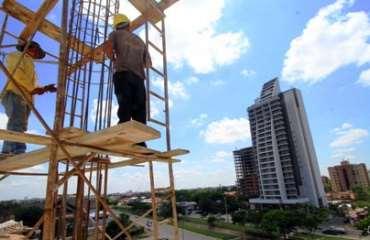 Los empresarios de la construcción afirman que deben seguir trabajando para que la economía nacional crezca. Foto: Ministerio de Comunicación