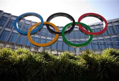 Los Anillos Olímpicos frente a la sede del Comité Olímpico Internacional. Foto: AFP