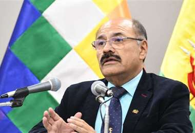 El ministro de Salud, Aníbal Cruz, brindó el informe de ambas pacientes