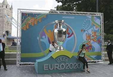 En esta nueva edición la UEFA dispuso que se dispute en 12 países. Los aficionados tendrán que esperar hasta 2021, por el nuevo coronavirus. Foto. Internet