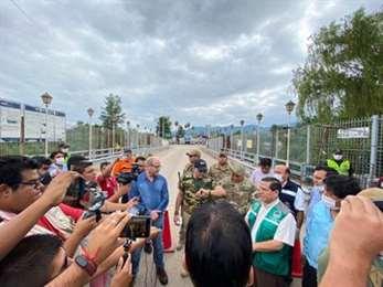 El ministro de Defensa estuvo en el puente internacional San José de Pocitos.
