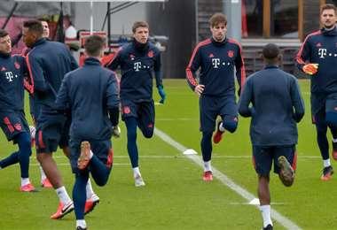 Los jugadores del Bayern en plena práctica. Foto. Internet