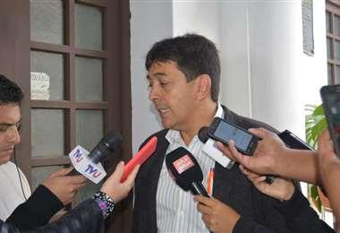 La autoridad en contacto con periodistas I Foto: Hidrocarburos.
