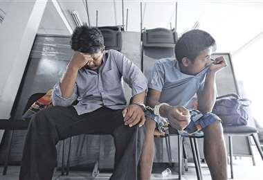 Dos de los cinco sujetos que cayeron presos en los últimos tres días. Foto: JORGE IBÁÑEZ