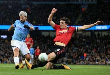 El Manchester United y el Manchester City son clásicos rivales, pero esta vez se unieron por una buena causa. Foto: Internet