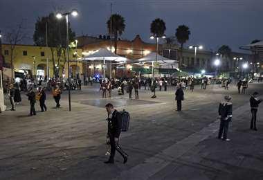 Poco trabajo para los mariachis en México a causa del coronavirus. Foto: AFP