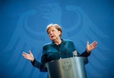 Merkel no presenta síntomas del coronavirus. Foto: AFP
