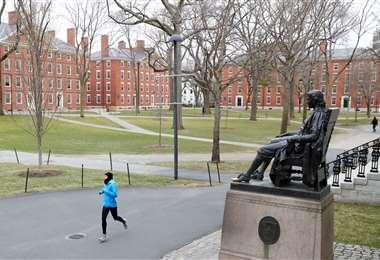 Foto referencial. Los estudiantes latinos en Europa están preocupados por lo que vaya a suceder en los próximos días. Foto: AFP