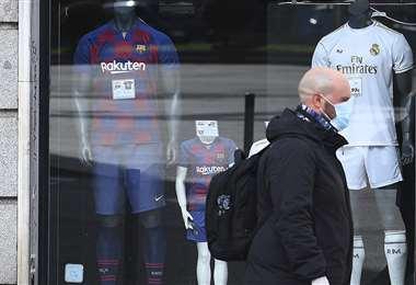 El fútbol tendrá que esperar en España. Foto: AFP