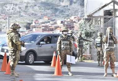 Militares realizan controles en las calles I Foto: APG Noticias.