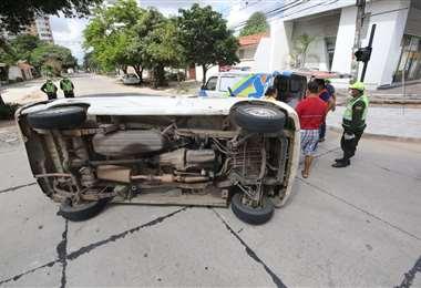 Así quedaron los motorizados tras el choque. Foto: Ipa Ibáñez