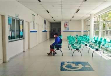 Las consultas externas del hospital de la Villa Primero de Mayo se han vaciado por miedo al coronavirus
